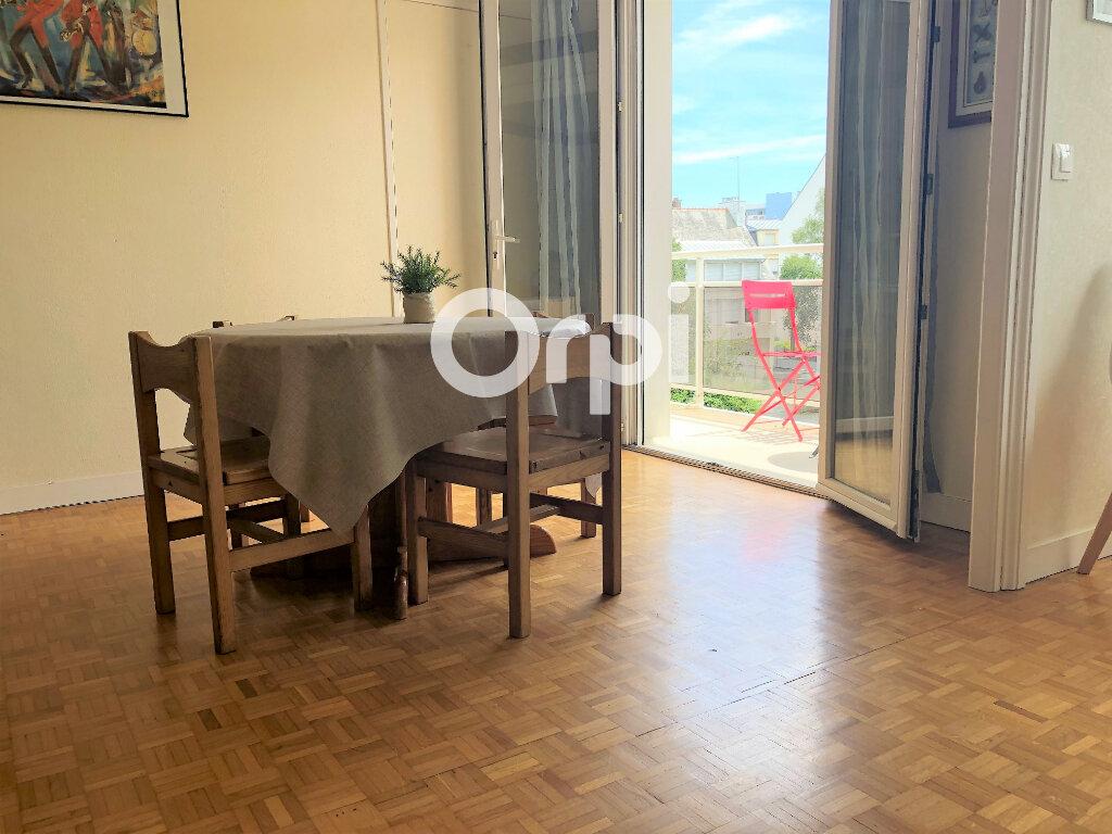 Appartement à louer 3 74.32m2 à Lorient vignette-1