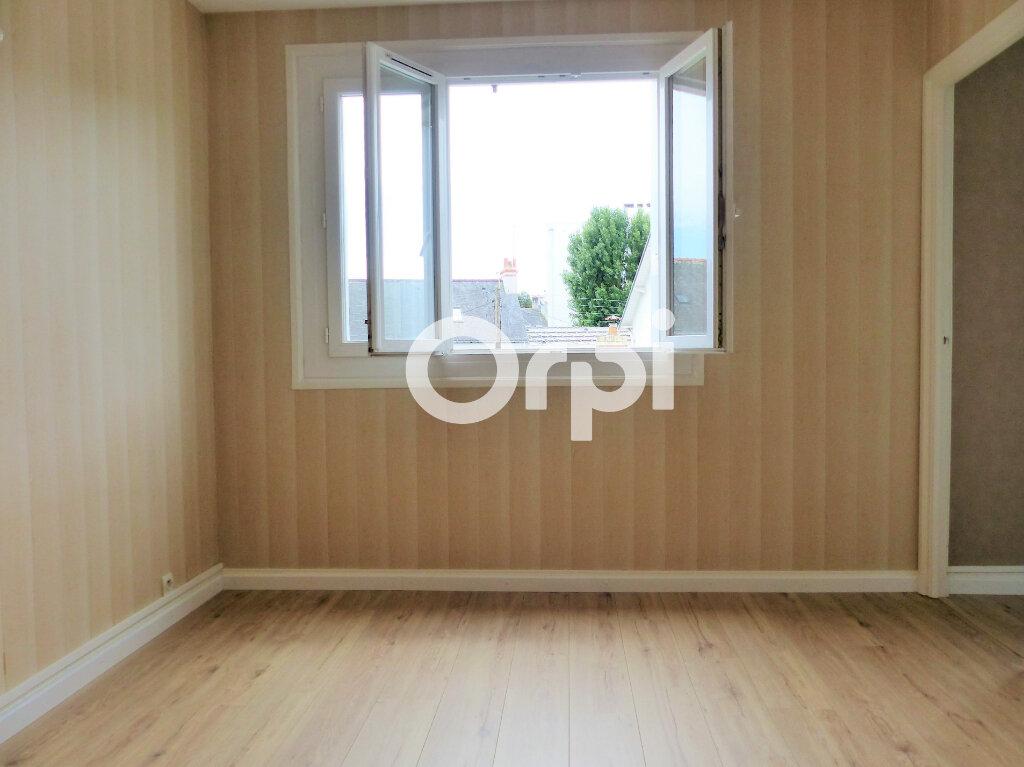 Appartement à louer 3 59.86m2 à Lorient vignette-4