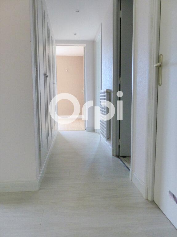Appartement à louer 3 59.86m2 à Lorient vignette-7