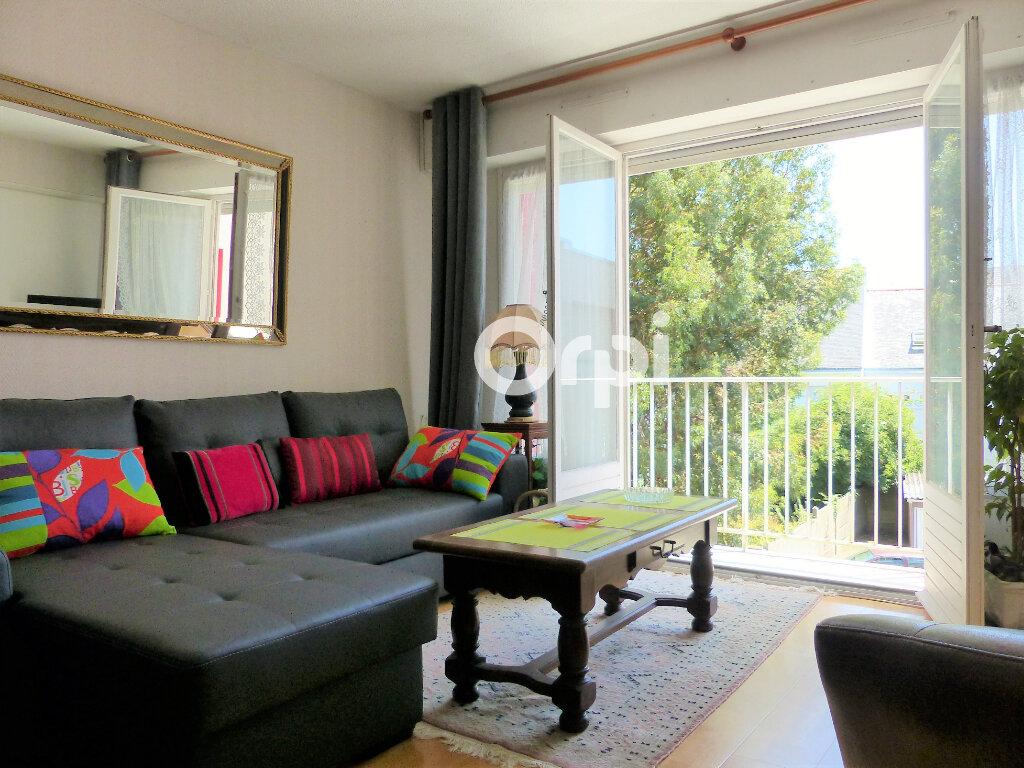 Appartement à louer 4 81.57m2 à Lorient vignette-1