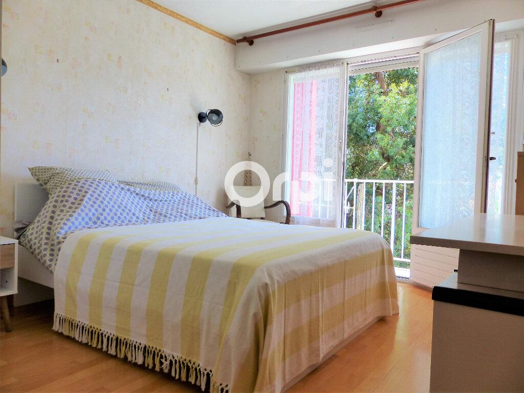 Appartement à louer 4 81.57m2 à Lorient vignette-9