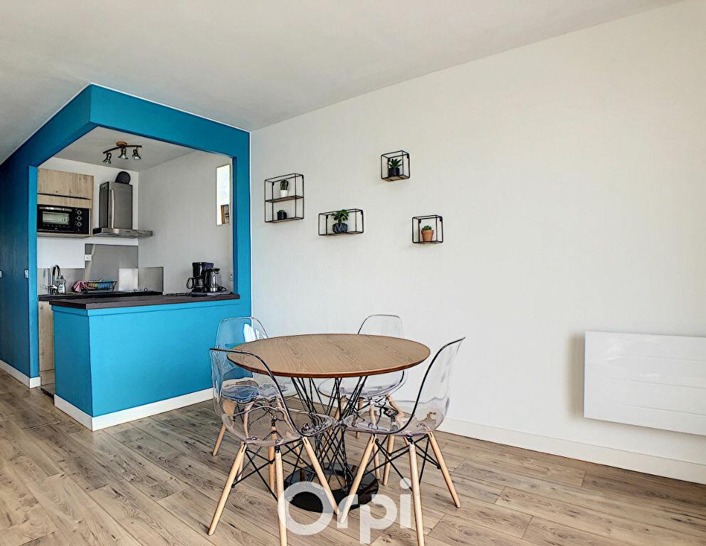 Appartement à louer 1 36m2 à Lorient vignette-3