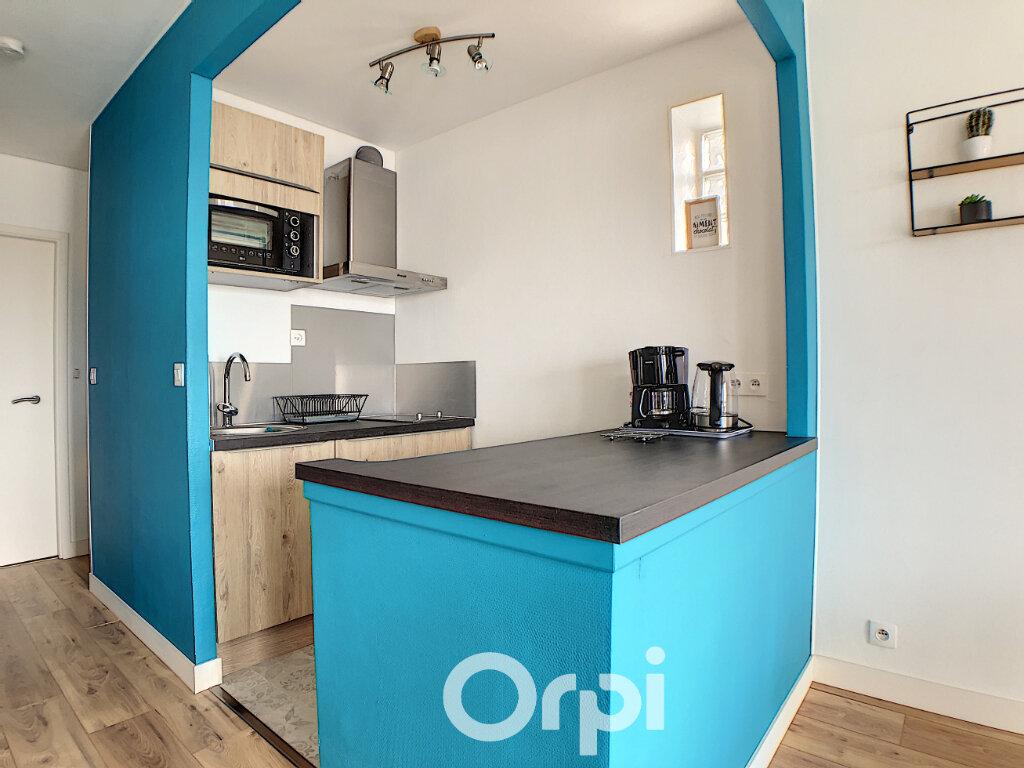 Appartement à louer 1 36m2 à Lorient vignette-4