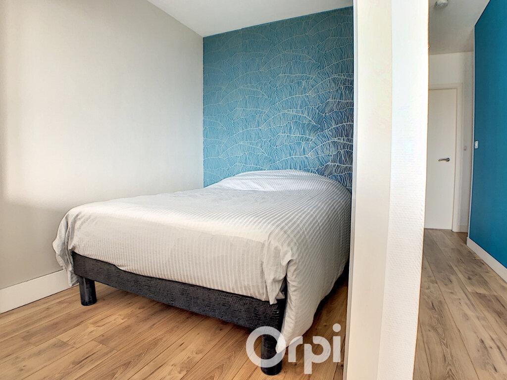 Appartement à louer 1 36m2 à Lorient vignette-5