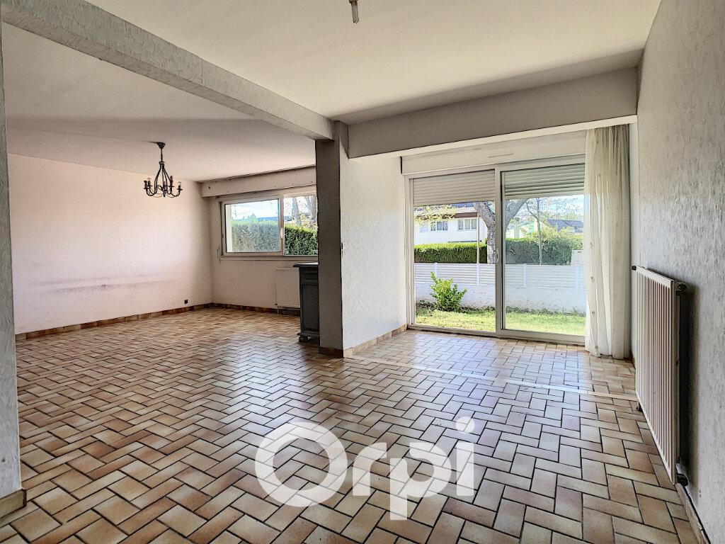 Maison à vendre 5 113m2 à Lorient vignette-1