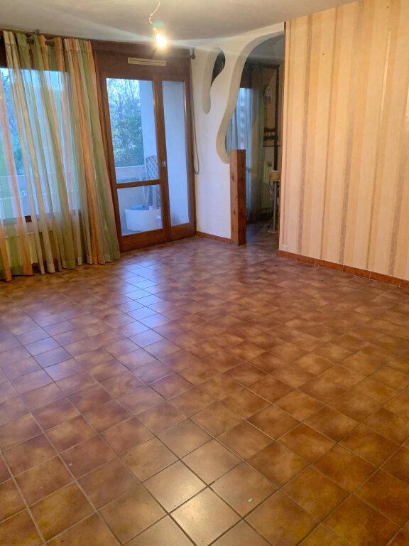 Appartement à vendre 4 70.05m2 à Marseille 11 vignette-3