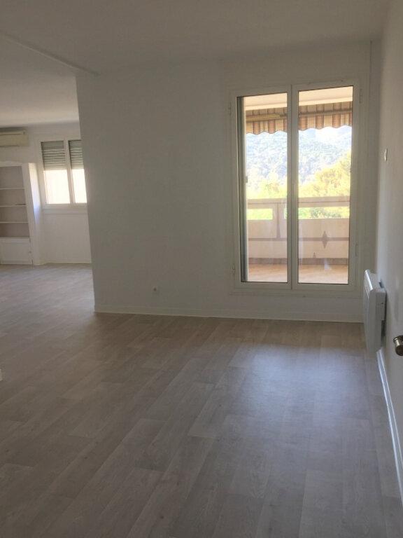 Appartement à vendre 5 99.16m2 à Marseille 11 vignette-2
