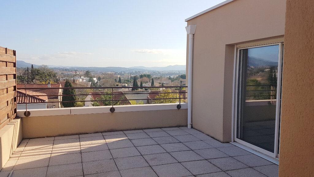 Appartement à louer 3 68m2 à Marseille 13 vignette-2
