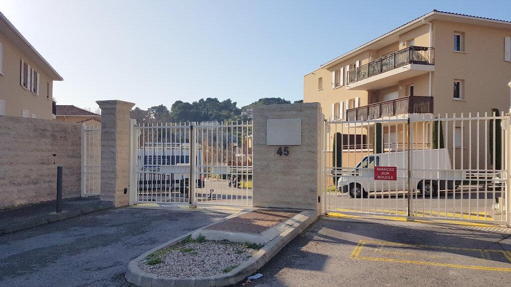 Appartement à louer 3 68m2 à Marseille 13 vignette-3