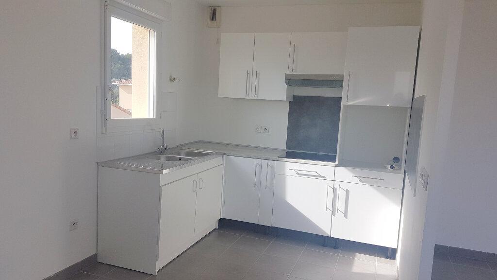 Appartement à louer 3 68m2 à Marseille 13 vignette-6