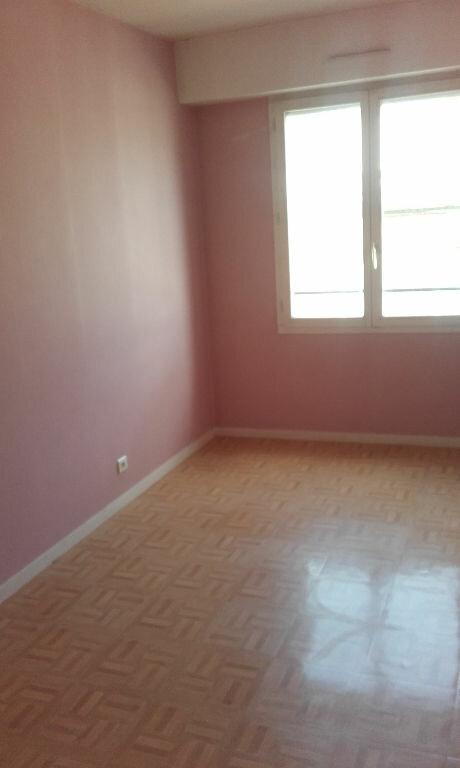 Appartement à louer 2 27.55m2 à Compiègne vignette-3