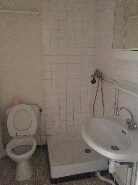 Appartement à louer 2 27.55m2 à Compiègne vignette-4