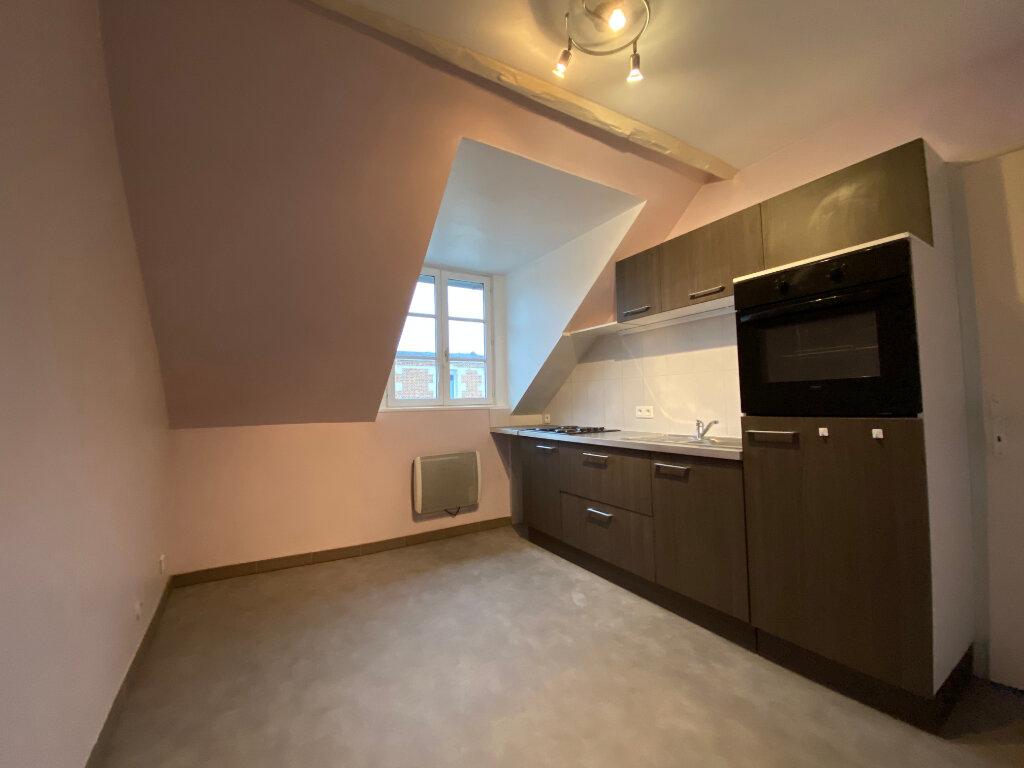 Appartement à louer 3 49.67m2 à Compiègne vignette-1
