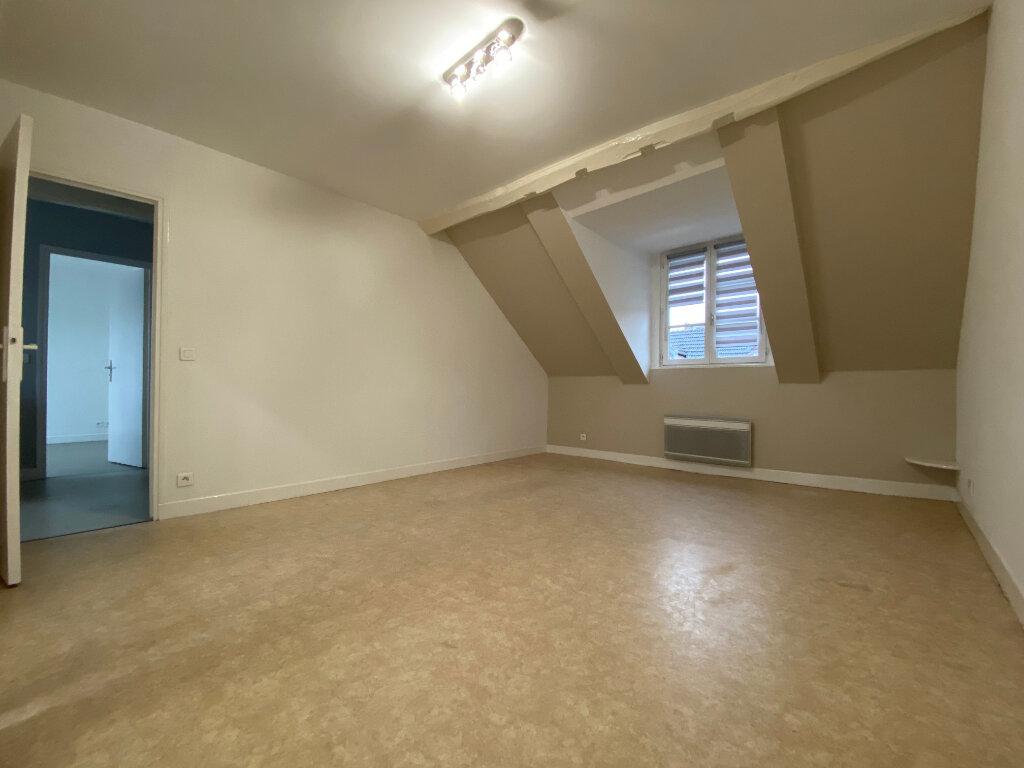 Appartement à louer 3 49.67m2 à Compiègne vignette-2