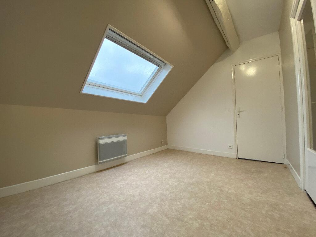 Appartement à louer 3 49.67m2 à Compiègne vignette-3