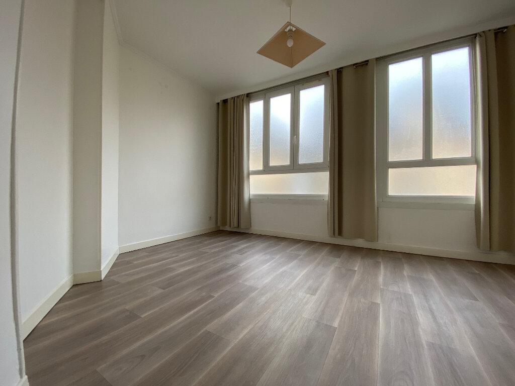 Appartement à louer 2 43.05m2 à Compiègne vignette-3