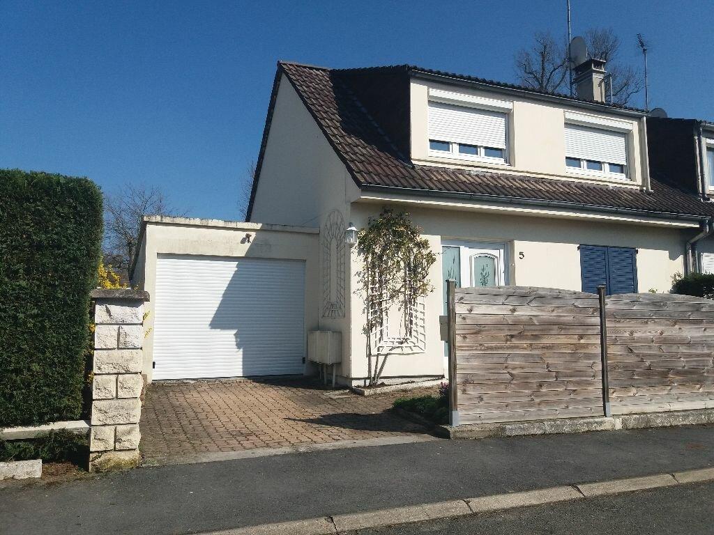 Maison à louer 4 84m2 à Lacroix-Saint-Ouen vignette-1
