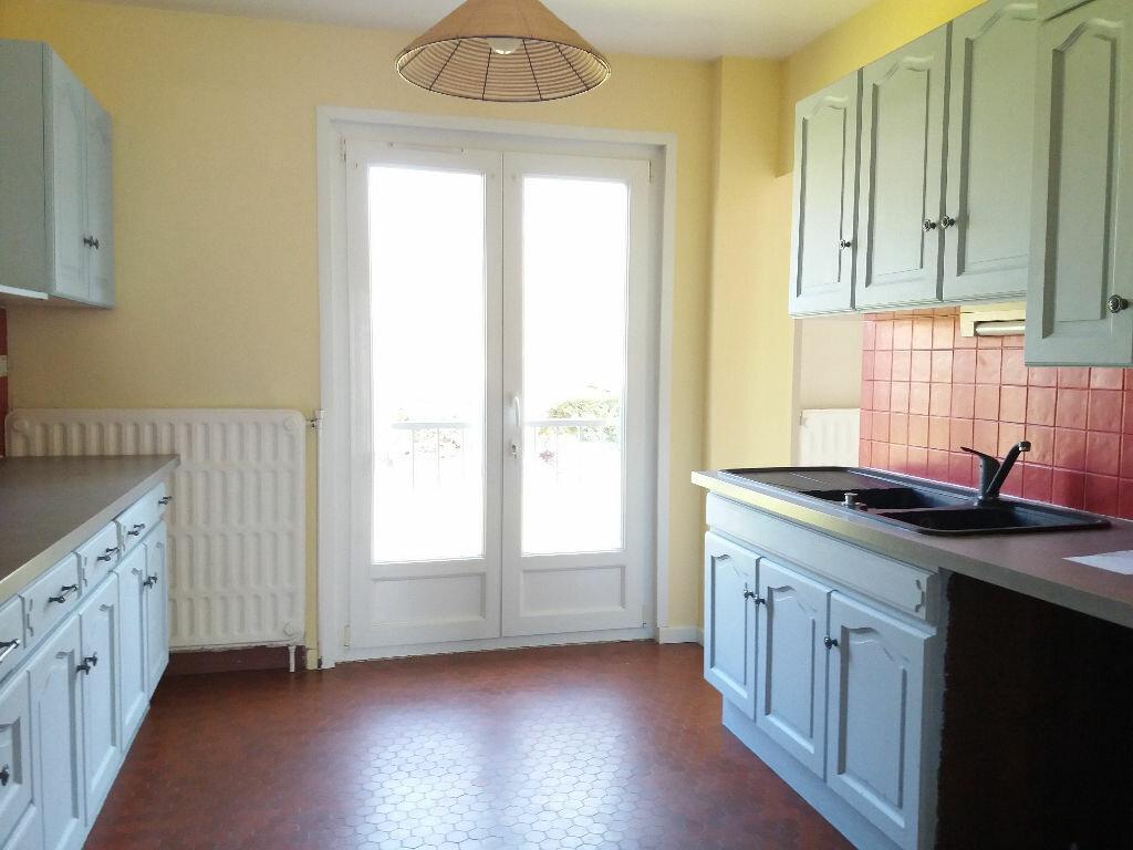 Maison à louer 4 84m2 à Lacroix-Saint-Ouen vignette-3
