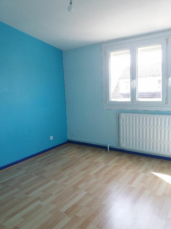 Maison à louer 4 84m2 à Lacroix-Saint-Ouen vignette-4