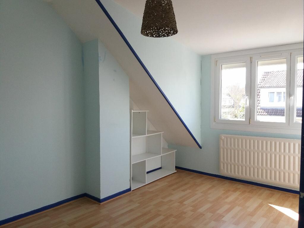 Maison à louer 4 84m2 à Lacroix-Saint-Ouen vignette-5