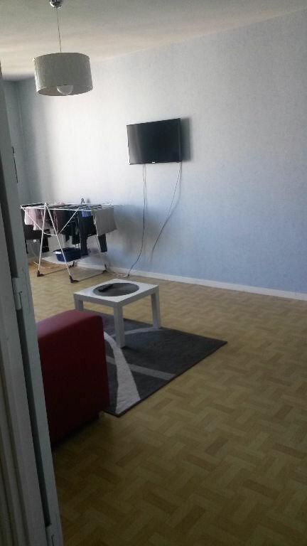 Appartement à louer 2 47.52m2 à Compiègne vignette-5