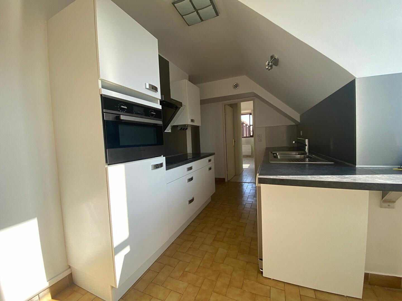 Appartement à louer 4 86.05m2 à Compiègne vignette-2
