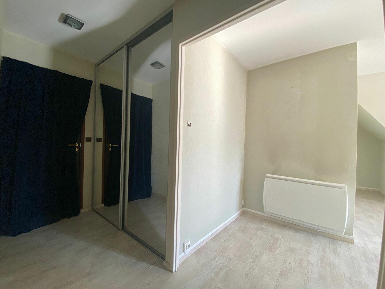 Appartement à louer 4 85.97m2 à Compiègne vignette-4