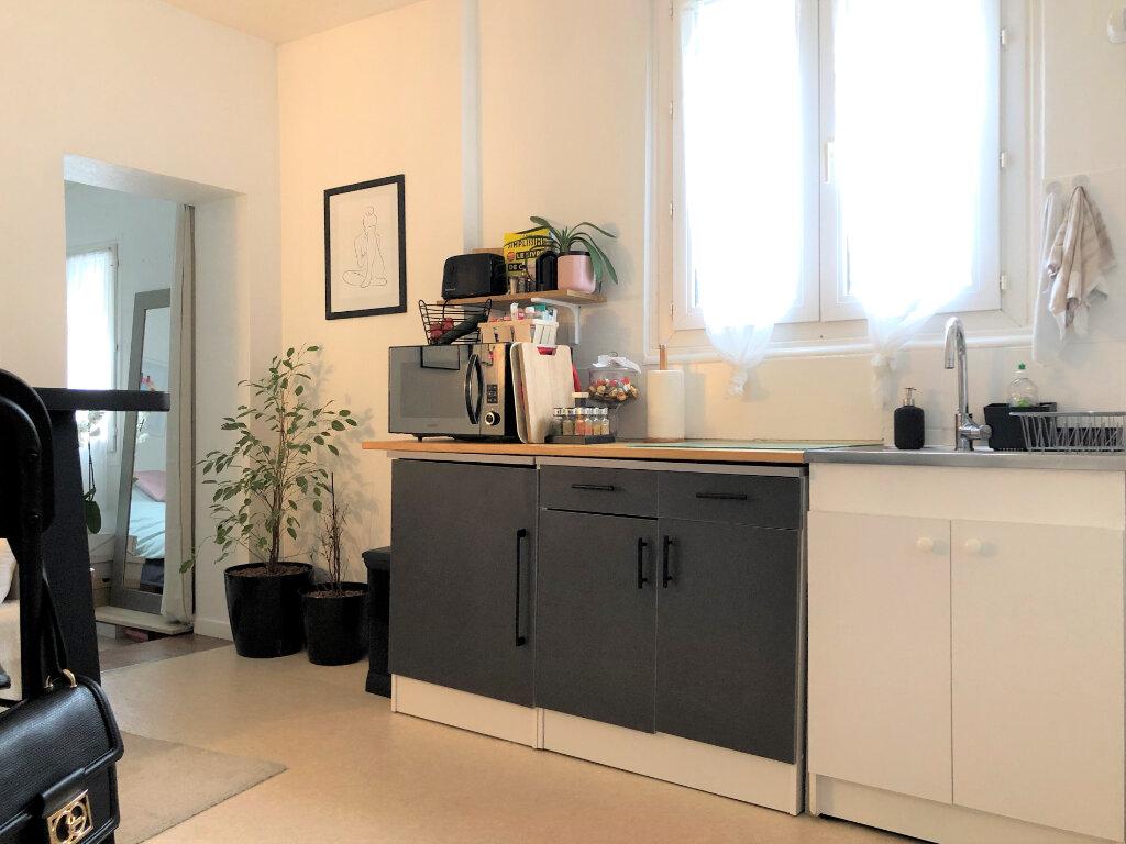 Appartement à louer 2 26.77m2 à Compiègne vignette-1