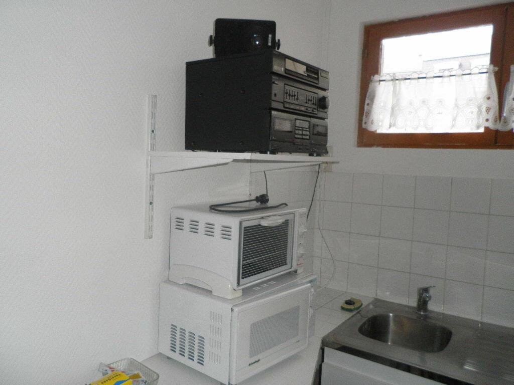 Appartement à louer 1 10m2 à Compiègne vignette-1
