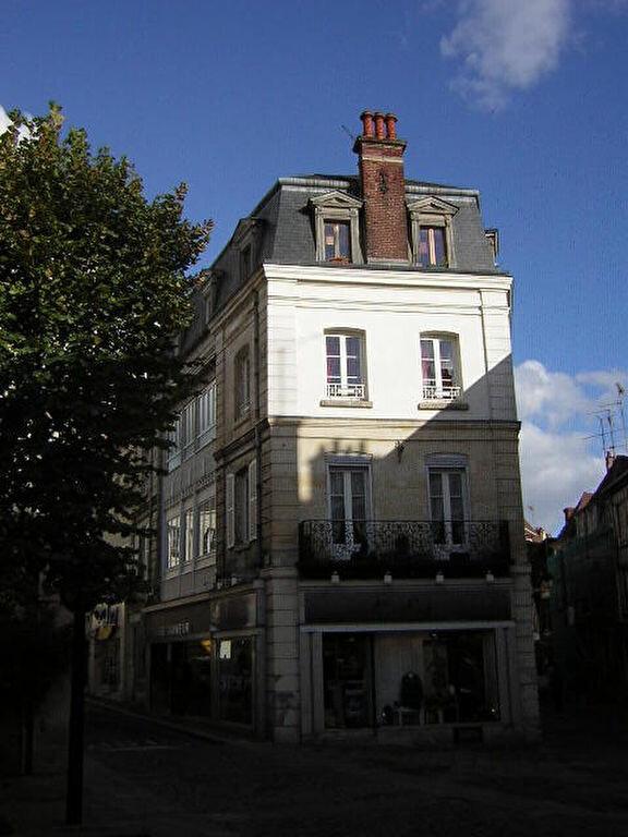 Appartement à louer 2 38.79m2 à Compiègne vignette-1