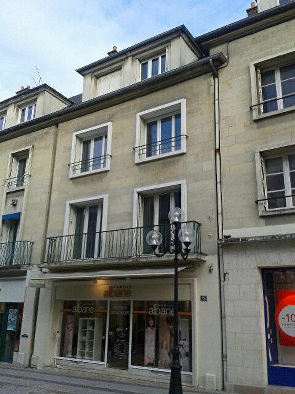 Appartement à louer 2 51.21m2 à Compiègne vignette-1