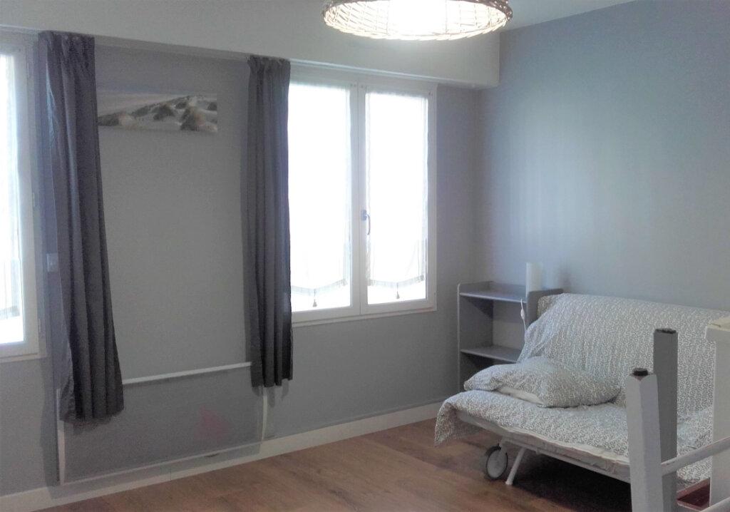 Appartement à louer 1 25.64m2 à Compiègne vignette-4