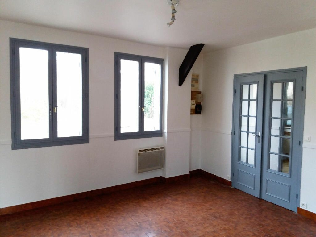 Maison à louer 3 53.26m2 à Chevincourt vignette-1