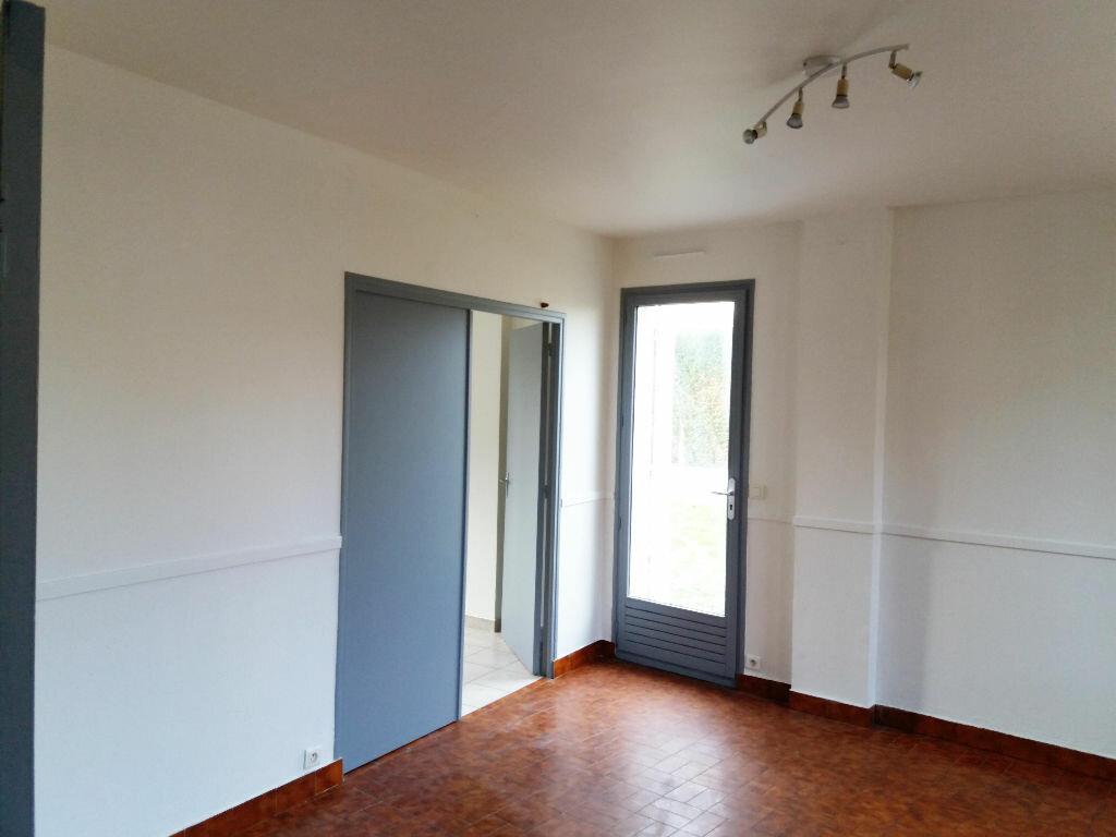 Maison à louer 3 53.26m2 à Chevincourt vignette-3