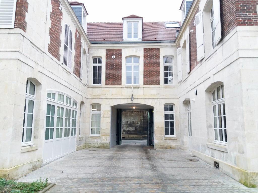 Appartement à louer 2 46.85m2 à Compiègne vignette-2