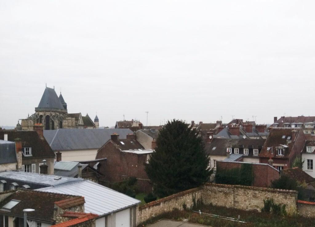 Appartement à louer 3 70.11m2 à Compiègne vignette-6