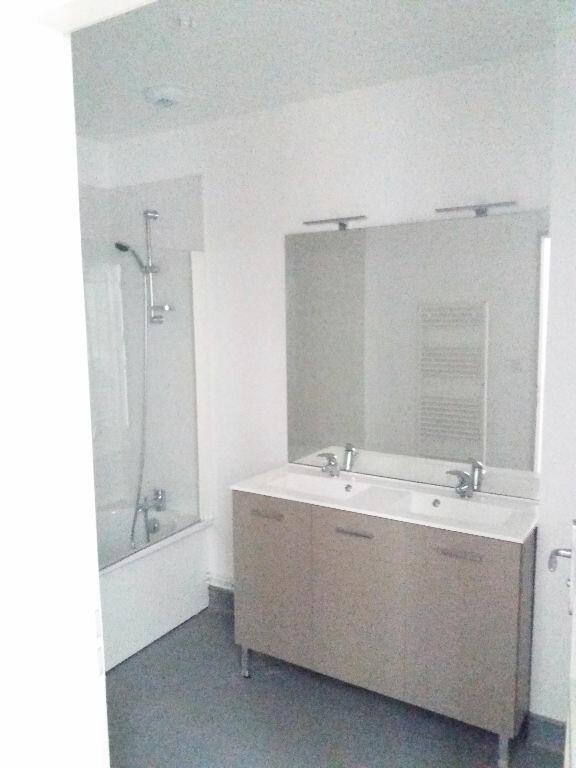 Appartement à louer 3 70.11m2 à Compiègne vignette-7