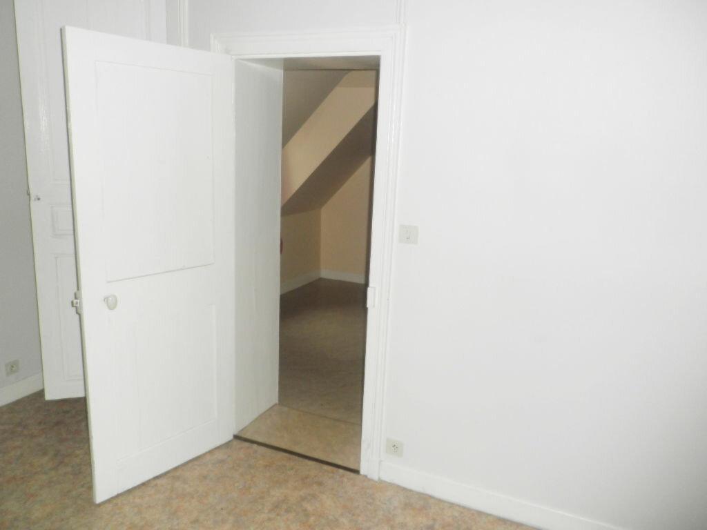 Appartement à louer 2 28.63m2 à Chevincourt vignette-3