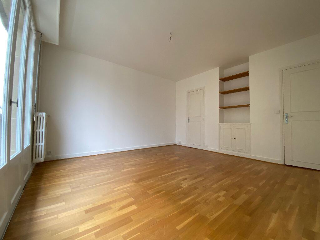 Appartement à louer 4 83.74m2 à Compiègne vignette-4