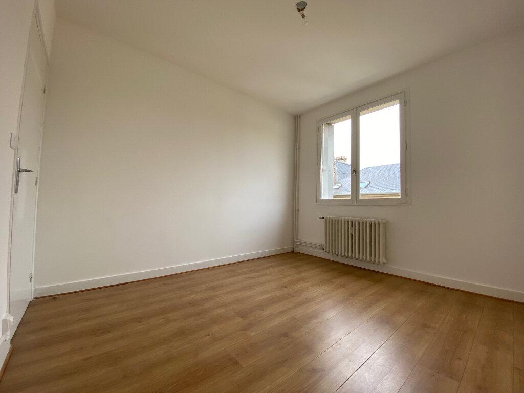 Appartement à louer 4 83.74m2 à Compiègne vignette-6