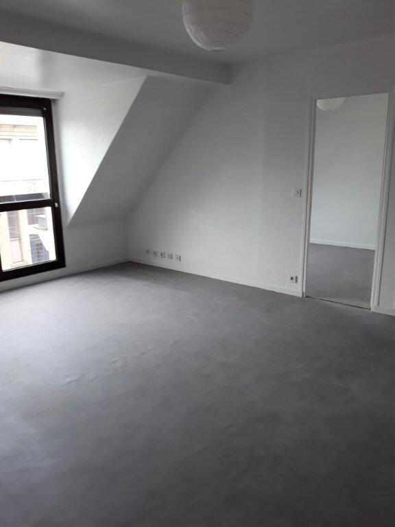 Appartement à louer 2 53.47m2 à Compiègne vignette-3