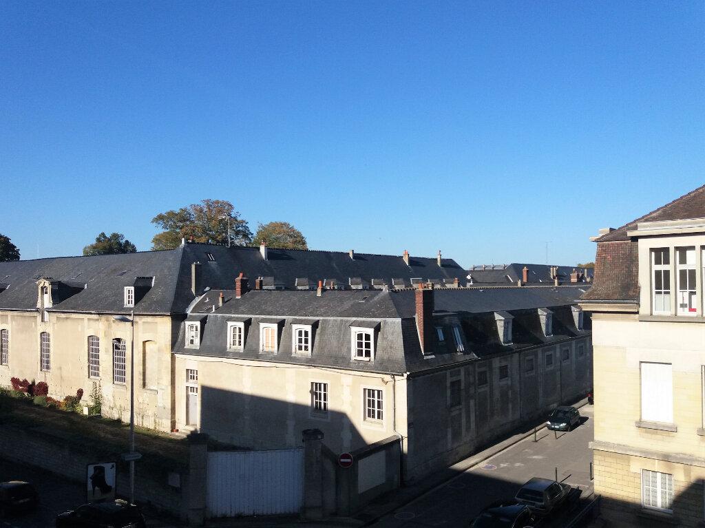 Appartement à louer 2 53.47m2 à Compiègne vignette-7