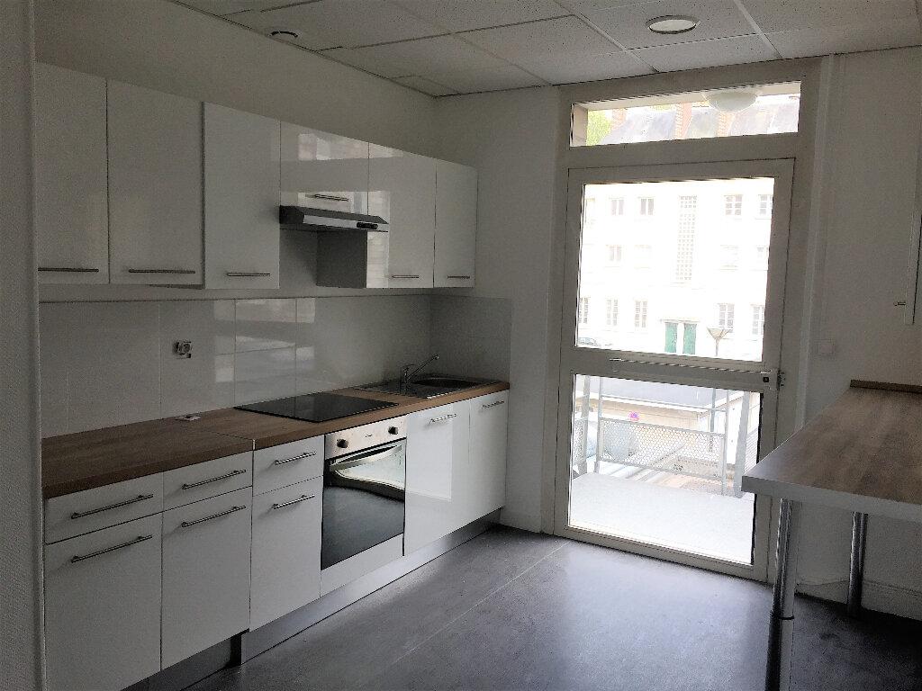 Appartement à louer 1 13.77m2 à Compiègne vignette-9