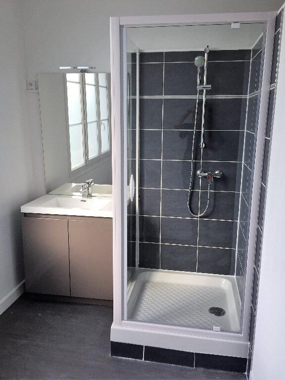 Appartement à louer 1 11.89m2 à Compiègne vignette-4