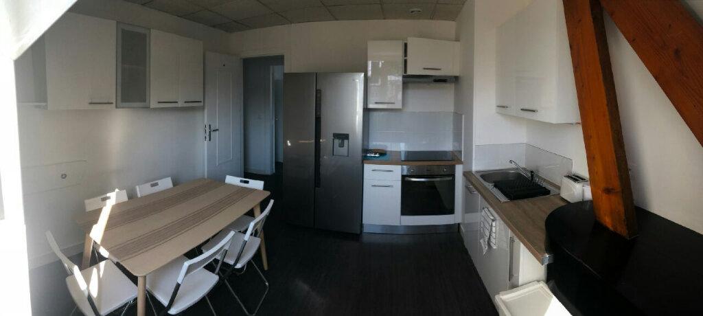 Appartement à louer 1 11.4m2 à Compiègne vignette-2