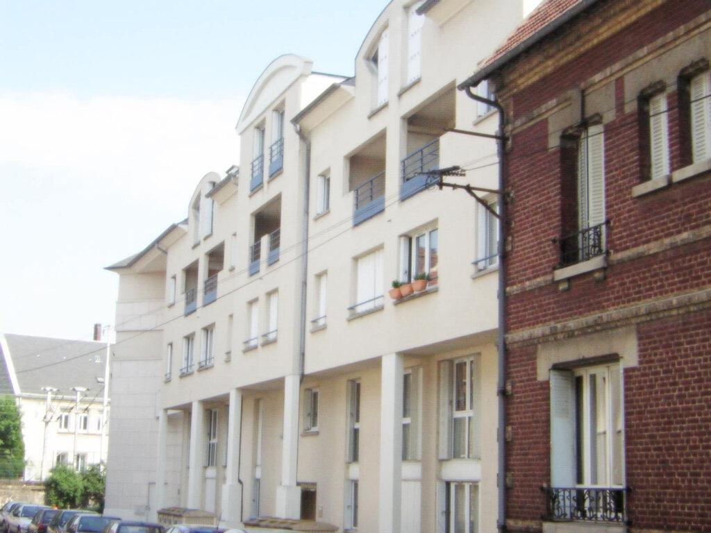 Appartement à louer 2 49m2 à Compiègne vignette-2