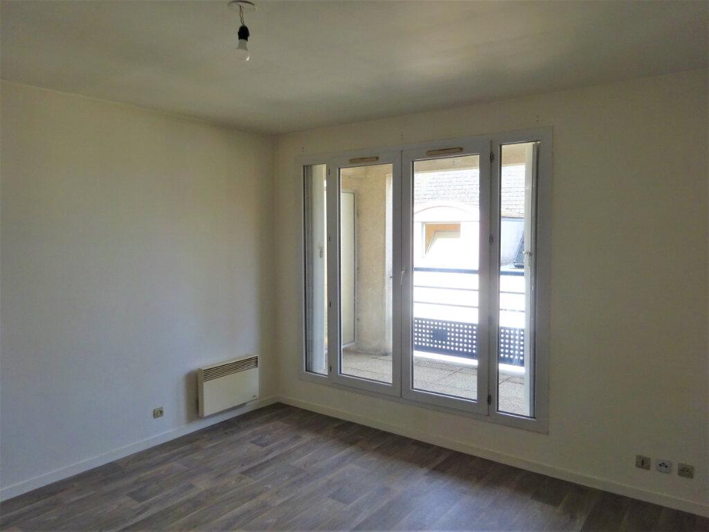 Appartement à louer 2 49m2 à Compiègne vignette-9