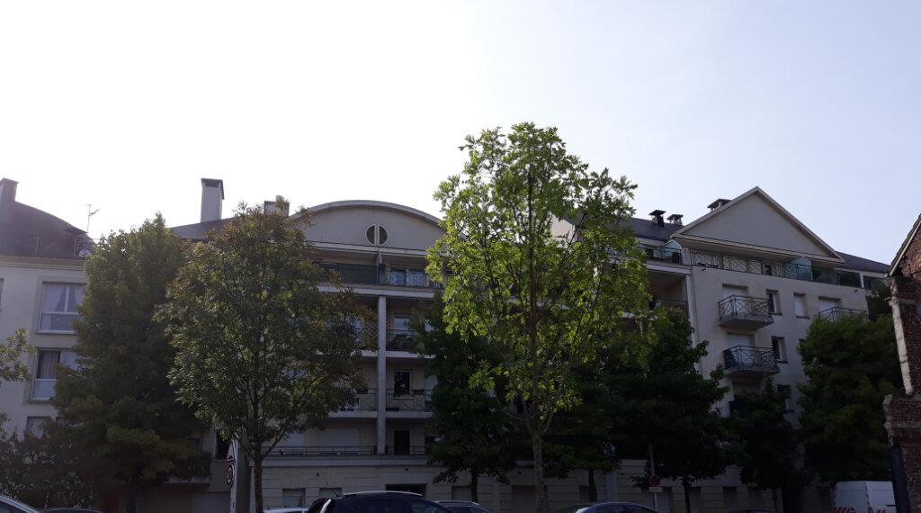 Appartement à louer 2 50.83m2 à Compiègne vignette-2