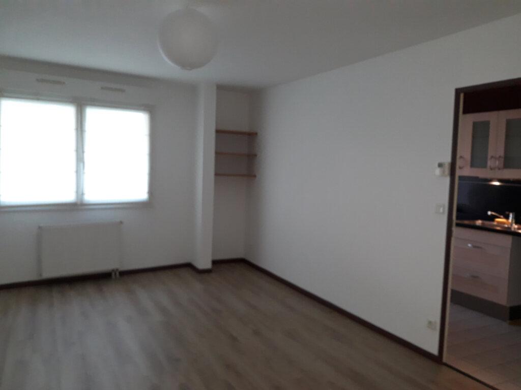 Appartement à louer 2 50.83m2 à Compiègne vignette-4