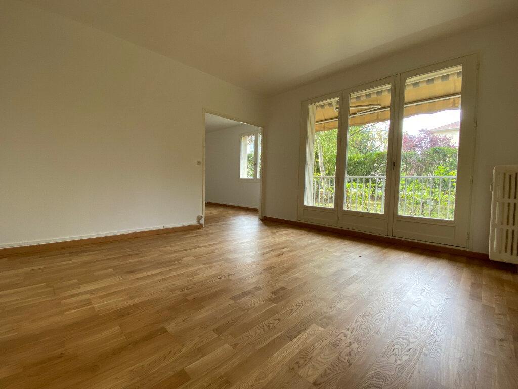 Appartement à louer 5 94.67m2 à Compiègne vignette-2